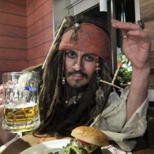 ハンバーガーを買ったらポテトと海賊が付いてきた件 @『ジーニーズ』町田