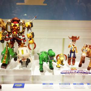 【東京おもちゃショー2016】『トイ・ストーリー』のウッディたちが合体ロボットになった『超合金 トイ・ストーリー 超合体 ウッディロボ・シェリフスター』