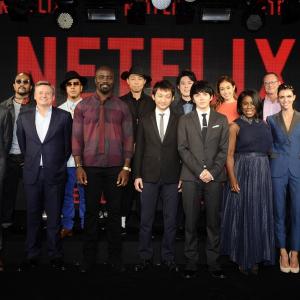ドラマ『火花』のヒットを受けてNETFLIXのCEOが緊急来日 日米の人気キャスト陣も豪華共演