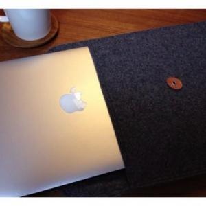 MacBook Airを優しく守る無印良品のフェルト製封筒がシンプルで使える!