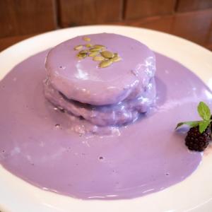【三軒茶屋カフェ】ハワイ発の紫色パンケーキが関東に上陸! 実は健康に良いパンケーキだった