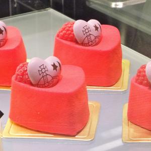 オーブケーキにキュン! 香港のティータイムは『Vivienne Westwood Cafe』で♪[オタ女]