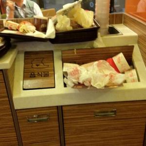 韓国のマクドナルドが汚すぎる! じゃあ他の国のマクドナルドはどうなの?