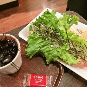 【ガジェ通秋葉原制覇】納豆を使ったホットドッグの是非を世に問いたい @『Cafe MOCO』
