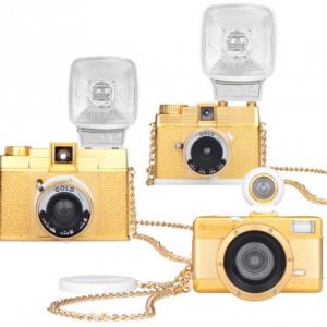 超ゴージャス! 人気フィルムカメラ『ロモグラフィー』にゴールドエディションが登場