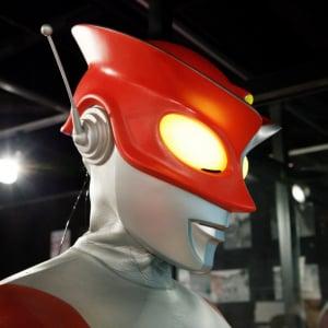 """40年の時を超え""""赤いアイツ""""が中野にやってくる!(本当) 『レッドマン 赤いアイツ展』中野ブロードウェイで開催"""
