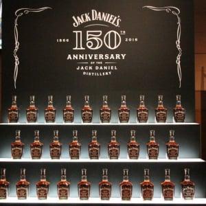 日本市場1万2000本限定の『ジャック ダニエル』だ! 『ジャック ダニエル 蒸溜所創業150周年アニバーサリー』が登場