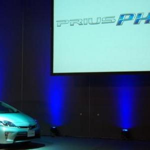 サーキットの浜崎あゆみ! かわいすぎるレーサーをプリウスPHV発表会で見た
