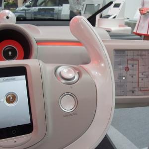 【東京モーターショー2011】スマートフォン連携やタブレット活用の事例あれこれ