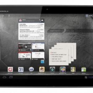 米Verizon、MotorolaのLTEタブレット「Droid Xynboard」2機種と薄型LTEスマートフォン「Droid RAZR」のホワイトカラーを発表