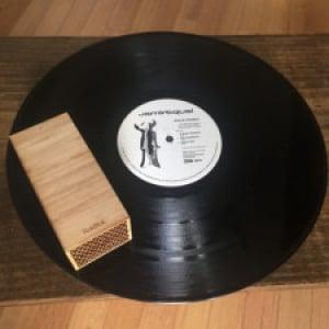 音楽好き必見!レコード盤上を自走して再生するプレーヤー「RokBlok」が斬新