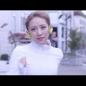高橋みなみさんがソロ曲を歌いながら駆け抜ける! ウェブ動画『ランフレーズガール』が公開中