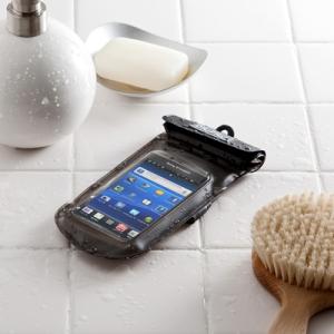 お風呂や水回りでスマホを使える DriPROの防水ケースをサンワサプライが発売