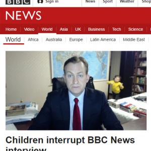 BBCニュースのインタビュー中に子供が乱入→BBC公式がネタにする