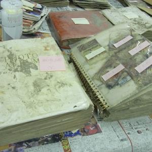 津波で汚損した写真を『Photoshop』で修復するボランティアプロジェクトがその成果と作業マニュアルを発表