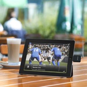 Dockに挿すだけ! 『iPhone/iPad』対応ワンセグチューナー『elgato eyeTV mobile』