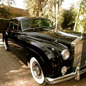 モナコの富裕層がクラシックカー投資に夢中な理由