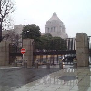 【なぞなぞ霞ヶ関】数100メートルが遠い……国会議事堂内で取材できないのはどうして?