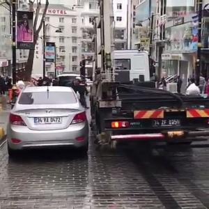 【動画】トルコのレッカー車の予想外の効率の良さに世界が驚嘆