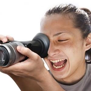 明るい場所でもカメラの液晶画面が良く見えるビューファインダー&フード『NOZOKI me』