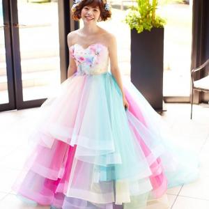 パステル調レインボー柄がお姫様感を演出! 『THE HANY』共同デザインの『UniBEARsity』ウェディングドレスがキュート [オタ女]