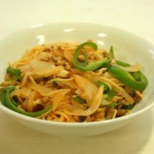 【日曜版】『スパゲッティ納豆リタン』を実食してみた【格差の食卓:第6回】