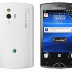 イーモバイル、「Sony Ericsson mini(S51SE)」のソフトウェアアップデート(4.0.2.A.0.74)を開始