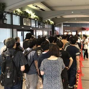 5年ぶりの新作『ドラゴンクエスト11』が発売! ヨドバシAkibaでは朝7時から200人超えの行列