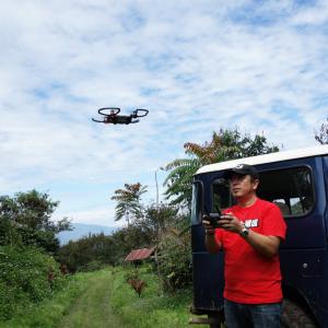 【インドネシア・ドローン旅】映画みたいな演出や自動追尾など 『DJI Spark』の『インテリジェント・フライトモード』を活用