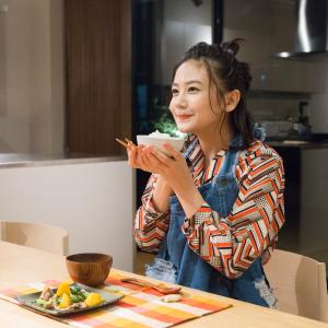 千眼美子がLINE LIVEで手料理を初披露! まさかの失敗も「料理はだから面白い」【レポート&インタビュー】