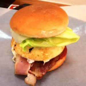 【日曜版】長崎県佐世保市に行って本場の佐世保バーガーを食べてみた