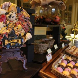 【ディズニーホテルハロウィン限定メニュー<ほぼ>全レビュー】豪華ブッフェで昼も夜も満腹ハロウィン!「シャーウッドガーデン・レストラン」