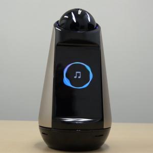 コミュニケーションロボット『Xperia Hello!』レビュー 表情や仕草がスマートスピーカーより親しみやすさを感じるポイントに:動画あり