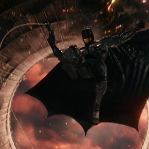 """動画:バットマンの""""ナイトクローラー""""が壁をよじ登れる仕組みが判明 カニみたいなあのマシンな!"""