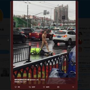 中国でターミネーターが目撃されて大騒ぎ! 男性が全裸で路上を歩く画像が『Twitter』に投稿される