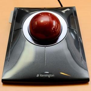 ヒネリ操作で3種類のモードを使いこなす!トラックボール『SlimBlade Trackball』製品レビュー