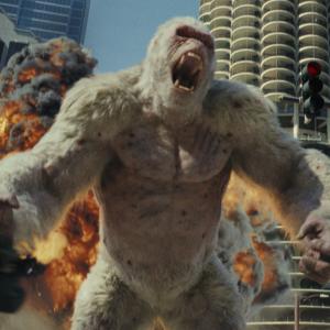 動物たちの巨大化が止まらないッ!? ドウェン・ジョンソン主演が大暴れ怪獣に立ち向かう『ランペイジ 巨獣大乱闘』