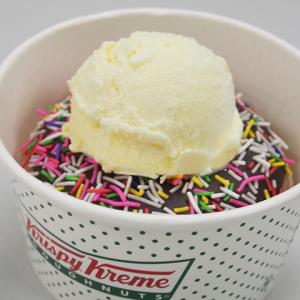 「チョコ スプリンクル」にバニラアイスを乗せると超ウマ! 『クリスピー・クリーム・ドーナツ』が裏メニューでトッピングを無料提供