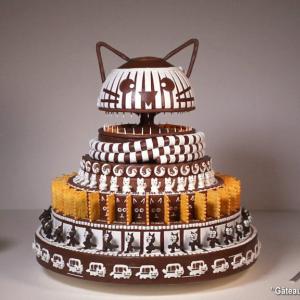 招き猫やネコバスもどきまで登場するネコまみれのケーキを使った回転アニメーション『Gâteau Gato』