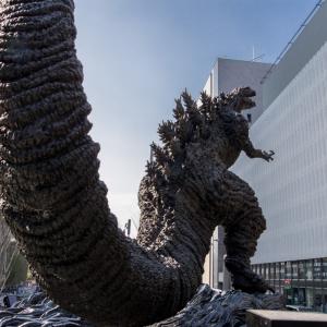 日比谷の「新ゴジラ像」をかっこよく撮影してみた