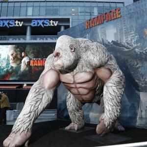 映画『ランペイジ 』LAプレミアにファン5000人熱狂! ドウェイン・ジョンソン「オレが出てからエキサイティングに決まっているさ!」