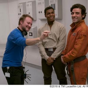 『スター・ウォーズ/最後のジェダイ』感動の「バトルシーン」は監督のヴィジョンにあり:ボーナス映像