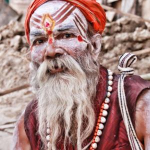 インドを放浪する修行僧サドゥーの収入や家族は? 体一つでどうやって生活するんだ!?