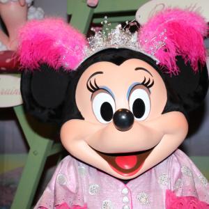遂にフロリダのミッキー&ミニーも新しい顔に! 残るは東京のみ、いつ?:海外ディズニー通信