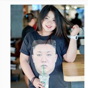 タイのぽっちゃりファッショニスタのなりきりコスプレがクォリティ高いわけじゃないのにジワる