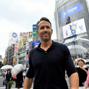 """""""最もセクシーな男""""と東京観光に行ってきた! ライアン・レイノルズ「デッドプールがガーディアンズに参加すると……」"""