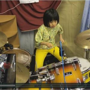 相馬世世歌(そうまよよか)さんが海外で一躍時の人に 8才だけどドラムが超絶に上手い女の子
