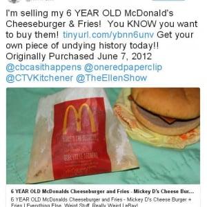 6年前に購入した『マクドナルド』のチーズバーガーとポテトが『eBay』に出品される→規約違反で削除