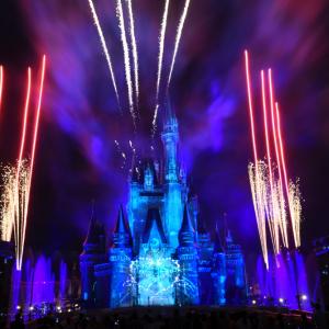 シンデレラ城のショーをライブ配信!「Celebrate! Tokyo Disneyland」を自宅でまったり:東京ディズニーリゾート通信
