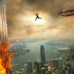 ロック様と超高層ビルの組み合わせって相性良すぎいぃ! 『スカイスクレイパー』本予告が公開